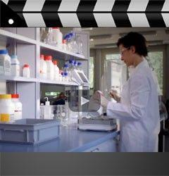 Entretien vidéo avec un spécialiste des laboratoires Lean