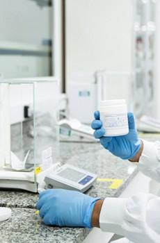Vitki laboratorij optimizira pretok v farmacevtski proizvodnji