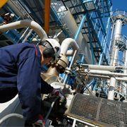 Optimize Separations in Dark Crude Oil