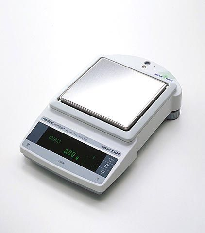 Mettler toledo weigh scale, model pg2002-s, max 2100g; min 0. 5 g.
