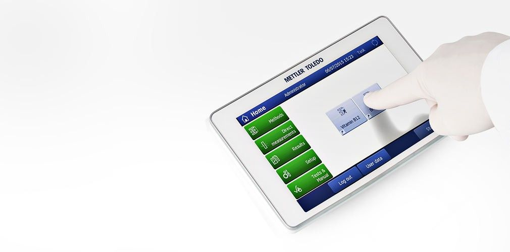 Spectrophotometer with touchscreen