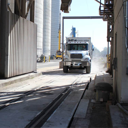 トラックスケールと鉄道車両用スケールのコンビネーション
